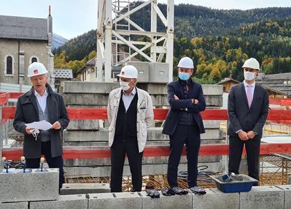 Pose de la première pierre du projet CENTRE-VILLAGE